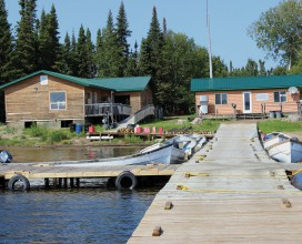 Molson Lake Lodge Cabins